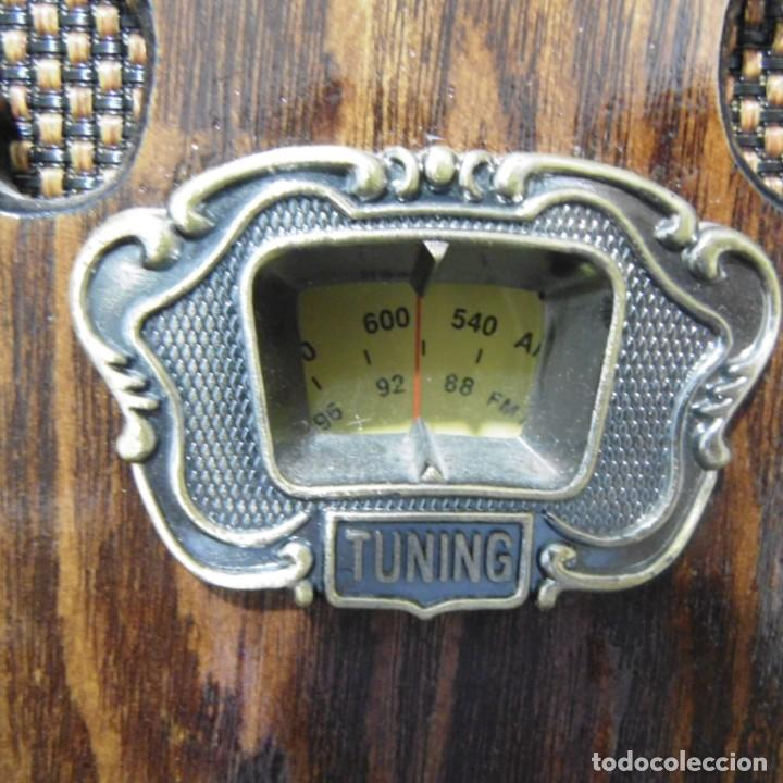 Radios antiguas: Radio capilla tipo antigua. Muy decorativa. Sin uso. - Foto 5 - 205013022