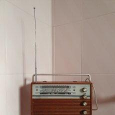 Radios antiguas: PRECIOSO Y ANTIGUAO RADIO TRANSISTOR MARCA SCHAUB LORENZ DESCONOZCO SI FUNCIONA. Lote 117751570