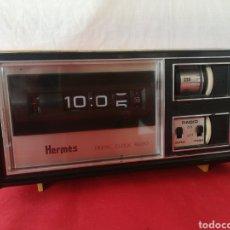 Radios antiguas: RADIO RELOJ HERMES MODEL 355-03. Lote 205651957