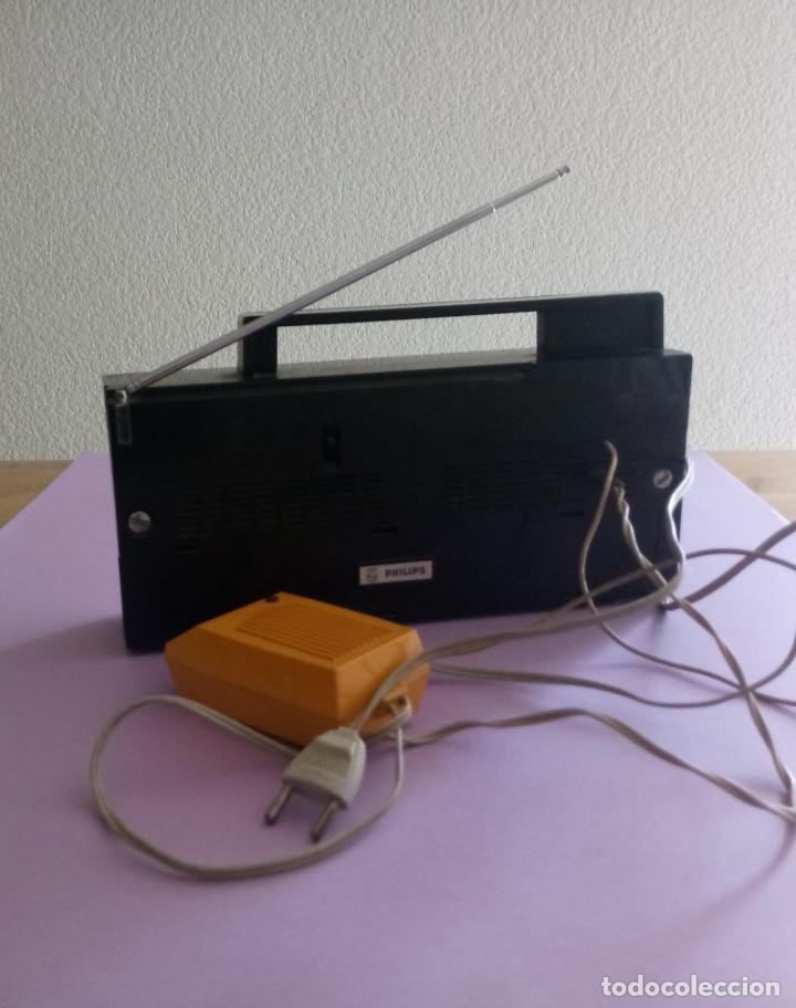 Radios antiguas: AM FM 10 TRANSISTOR PHILIPS - FUNCIONA - Foto 10 - 206802112