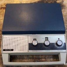 Radios Anciennes: TOCADISCOS RADIO PHILIPS, PORTÁTIL.. Lote 206823271