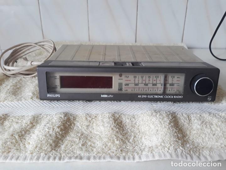 ANTIGUO RADIO RELOJ PHILIPS (Radios, Gramófonos, Grabadoras y Otros - Transistores, Pick-ups y Otros)