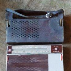 Radios antiguas: ANTIGUO RADIO-TRANSISTOR KOLSTER IBERICA, MODELO 714 FABRICADO EN ESPAÑA. CON FUNDA.. Lote 207127163