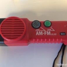 Radios antiguas: LINTERNA RADIO VINTAGE ROJA SIN USO. Lote 209060575