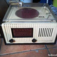 Radios antiguas: ANTIGUO RADIO TOCADISCOS PHILLIPS. A 10606. Lote 209716986