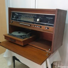 Radios antiguas: MUEBLE RADIO TOCADISCOS RIGONDA BOLSHOI. Lote 210260821