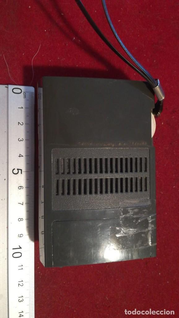 Radios antiguas: RADIO TRANSISTOR CAHUE INDUSTRIAL FUNCIONA - Foto 2 - 210554511