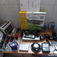 Rádios antigos: ENVIO 8€ CON TC.GRAN LOTE ELECTRONICA:GRABADOR TDT WALKMANS RADIOS MULTIBANDA CABLES,REPUESTOS,JACK.. Lote 211275851