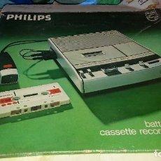 Rádios antigos: ANTIGUA GRABADORA RADIO CASSETTE PHILIPS 2204. Lote 211409157