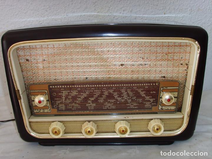 RADIO A VALVULAS SIN MARCA (Radios, Gramófonos, Grabadoras y Otros - Transistores, Pick-ups y Otros)