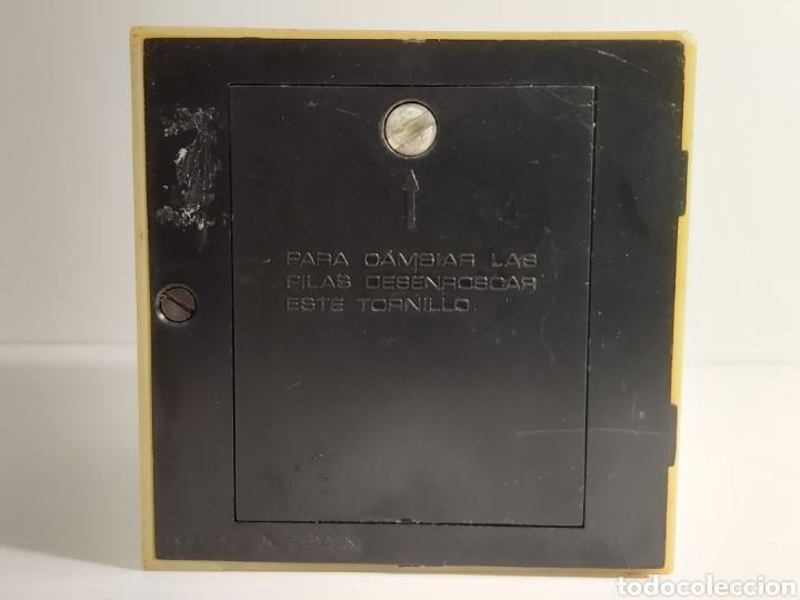Radios antiguas: ANTIGUA RADIO TRANSISTOR MARCA INVICTA FABRICADA EN ESPAÑA - Foto 5 - 211956681