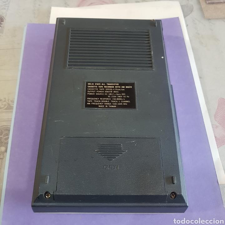 Radios antiguas: RADIOCASETE CHAMPION CASSETE TAPE RECORDER WITH AM RADIO - Foto 6 - 211993102