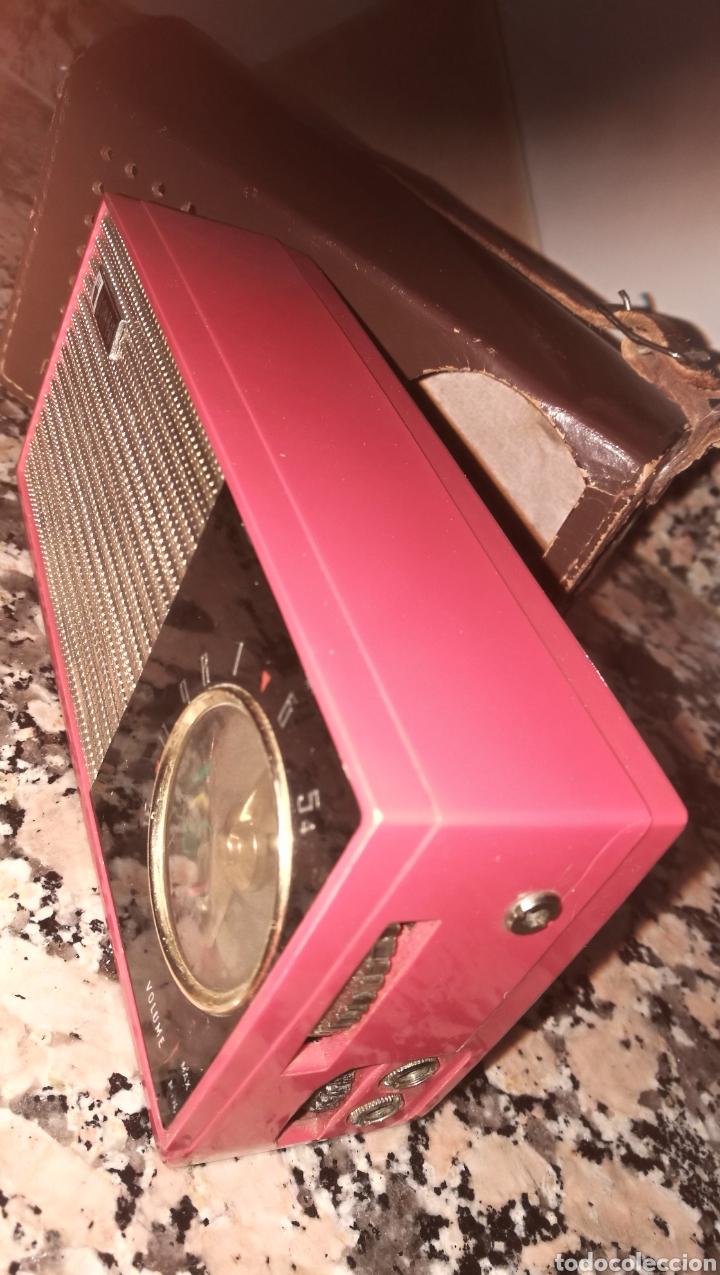 Radios antiguas: ANTIGUO RADIO TRANSITOR FUNDA CUERO - Foto 4 - 212036835