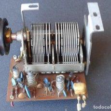 Radios antiguas: CONDENSADOR VARIABLE DE RADIO CON COMPONENTES VARIOS. Lote 212204405