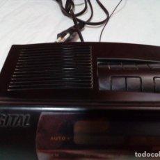 Radios antiguas: RADIO CON RELOJ. Lote 212421560