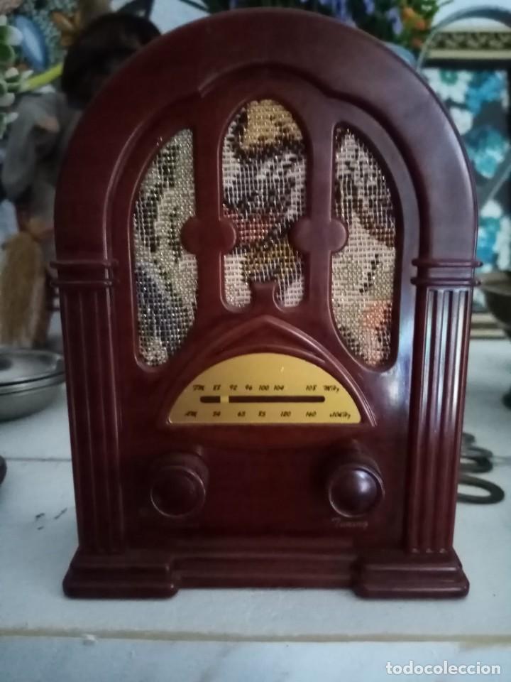 APARATO DE RADIO COLECCIÓN DE LA NOSTALGIA DE LA RADIO (Radios, Gramófonos, Grabadoras y Otros - Transistores, Pick-ups y Otros)