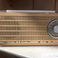 Radios antiguas: ANTIGUA RADIO TRANSISTOR JVC - FUNCIONANDO BIEN. Lote 214346755