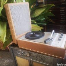 Radios antiguas: PERPETUUM EBNER, TOCADISCOS DE MALETA FUNCIONANDO. Lote 214809606