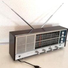Radios antiguas: ANTIGUA RADIO MINUTEMAN VANGUARD 62 T CAHUE INDUSTRIAL SA ESPAÑA AÑOS 60 FUNCIONA. Lote 215002811