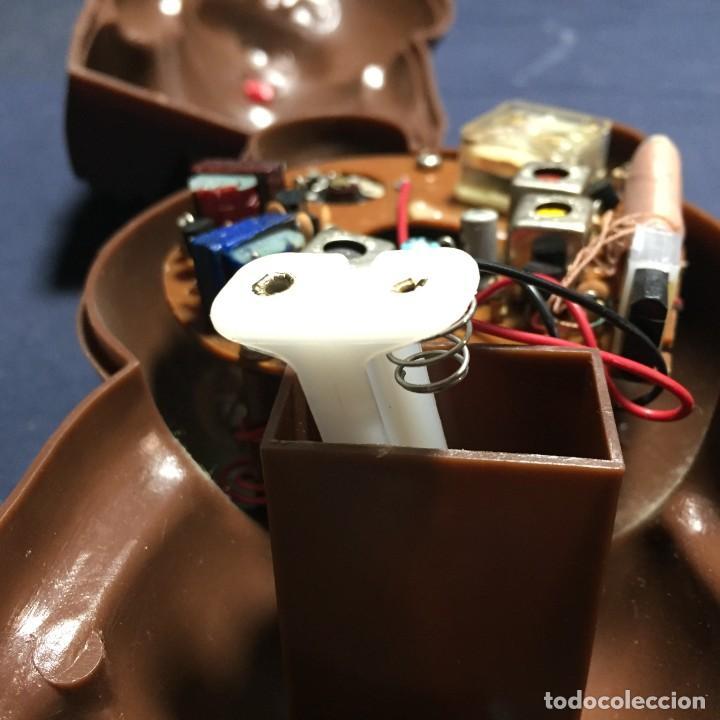 Radios antiguas: radio transistor osito con lazo hong kong 18x9x10cms - Foto 13 - 215038536