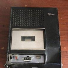 Radios antiguas: MAGNETÓFONO PARA CASSETTES VINTAGE PHILIPS, AÑOS 70. Lote 215500680