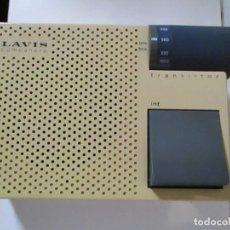 Rádios antigos: ANTIGUA RADIO TRANSITOR DE DISEÑO MARCA LAVIS MODELO COMPAÑERO SOLID STATE FUNCIONA. Lote 215508608