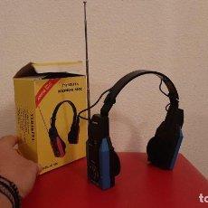 Radios antiguas: MINI RADIO CASCOS CASCO INTERNATIONAL HP 1000 HEADPHONE AURICULARES TRANSISTOR VINTAGE RETRO DISEÑO. Lote 215926082