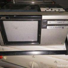 Radios antiguas: MONITOR COLOR TV PORTATIL JVC FUNCIONA. Lote 216954211