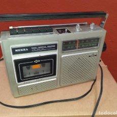 Radios antiguas: RADIO CASSETTE MEKKA FUNCIONANDO. Lote 217055428