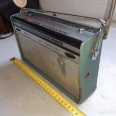 Radios antiguas: RADIO TRANSISTOR ANTIGUO ASKAR. Lote 217119021
