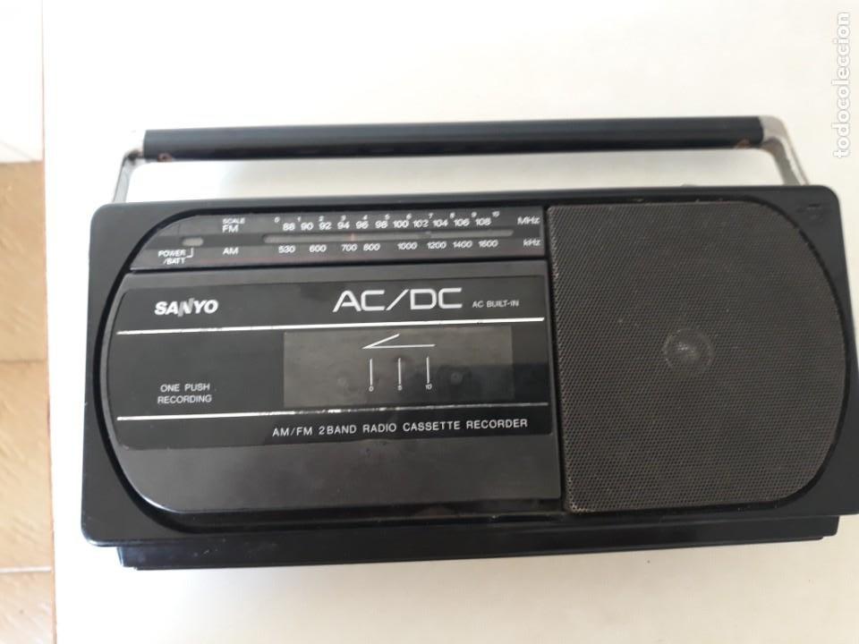 RADIO CASSETE MARCA SANYO (Radios, Gramófonos, Grabadoras y Otros - Transistores, Pick-ups y Otros)