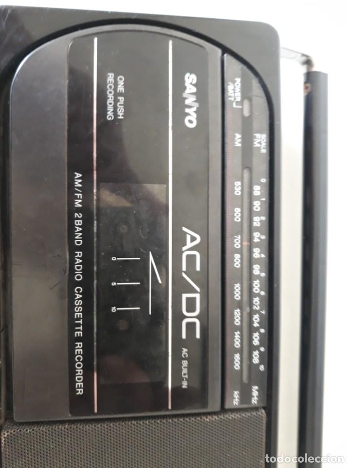 Radios antiguas: Radio cassete marca Sanyo - Foto 2 - 217924935