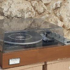 Rádios antigos: TOCA DISCOS TOCADISCOS ZENITH SOLID STATE STERO PHONOGRAPH. Lote 218356528