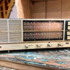 Radios antiguas: ANTIGUA RADIO VANGUARD AÑOS 60 - FUNCIONANDO PERFECTAMENTE. Lote 218621842