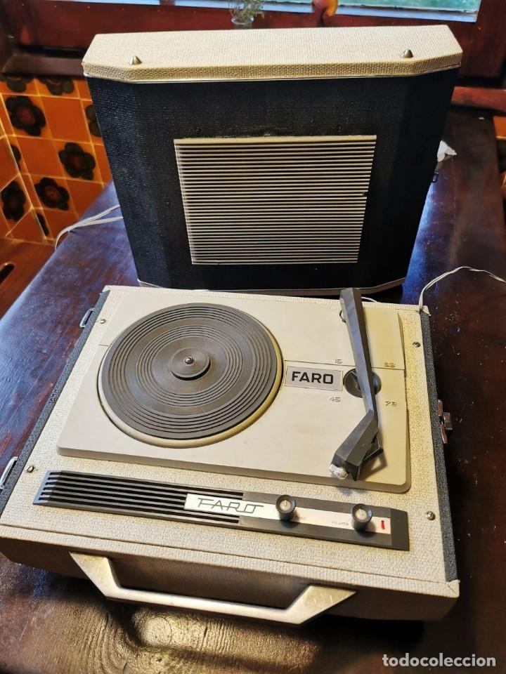 TOCADISCOS DE MALETA MARCA FARO 320....? (Radios, Gramófonos, Grabadoras y Otros - Transistores, Pick-ups y Otros)