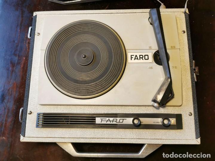Radios antiguas: TOCADISCOS DE MALETA MARCA FARO 320....? - Foto 2 - 218734102