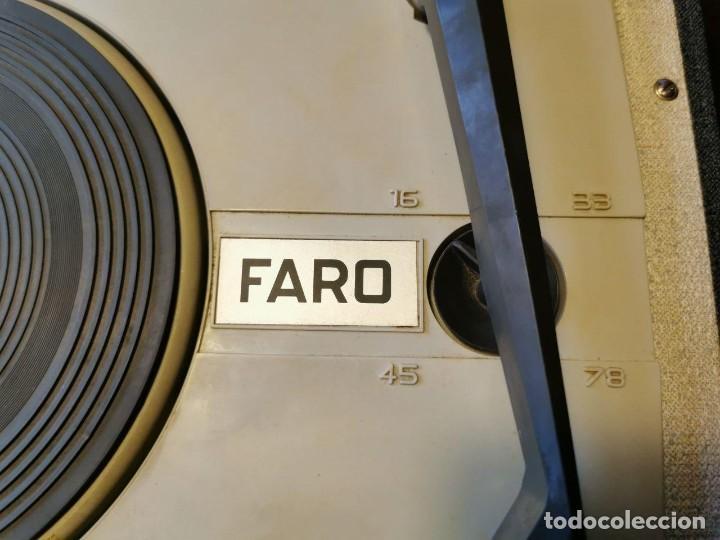 Radios antiguas: TOCADISCOS DE MALETA MARCA FARO 320....? - Foto 5 - 218734102