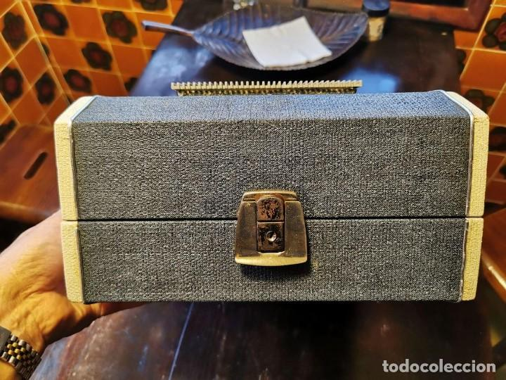 Radios antiguas: TOCADISCOS DE MALETA MARCA FARO 320....? - Foto 8 - 218734102