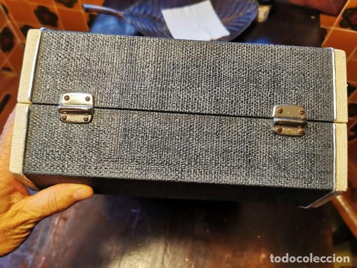 Radios antiguas: TOCADISCOS DE MALETA MARCA FARO 320....? - Foto 10 - 218734102