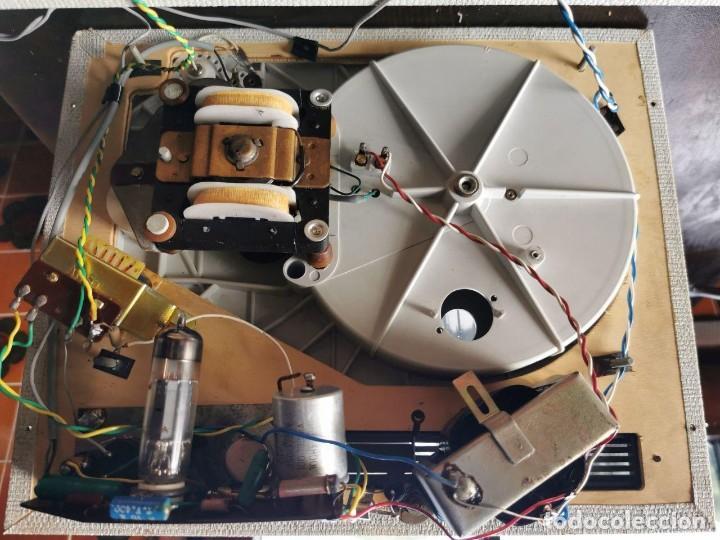 Radios antiguas: TOCADISCOS DE MALETA MARCA FARO 320....? - Foto 13 - 218734102