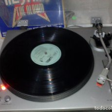 Radios antiguas: GIRADISCOS VINTAG TOSHIBA SR.F.330. Lote 218735762