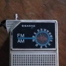 Radios antiguas: RADIO SANYO. FUNCIONA.. Lote 218989056