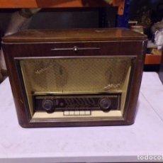 Radios antiguas: ANTIGUA RADIO DE VALVULAS TOCADISCOS TELEFUNKEN MOZART. Lote 220437121