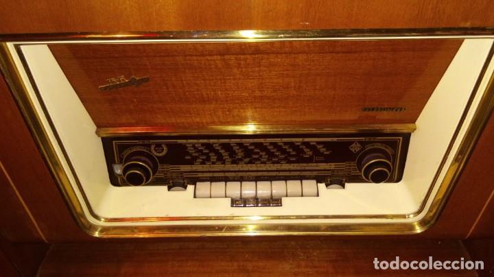 Radios antiguas: 2 APARATOS , 1 TV ANTIGUO SABA MAS 1 RADIO TOCADISCOS GRUNDIG - Foto 7 - 220665640