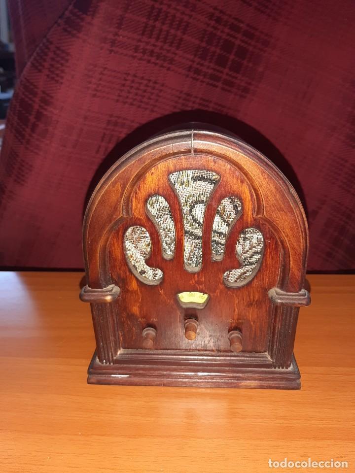 RADIO VINTAGE (Radios, Gramófonos, Grabadoras y Otros - Transistores, Pick-ups y Otros)