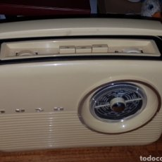 Radios antiguas: RADIO TRANSISTOR BUSH. Lote 221650486