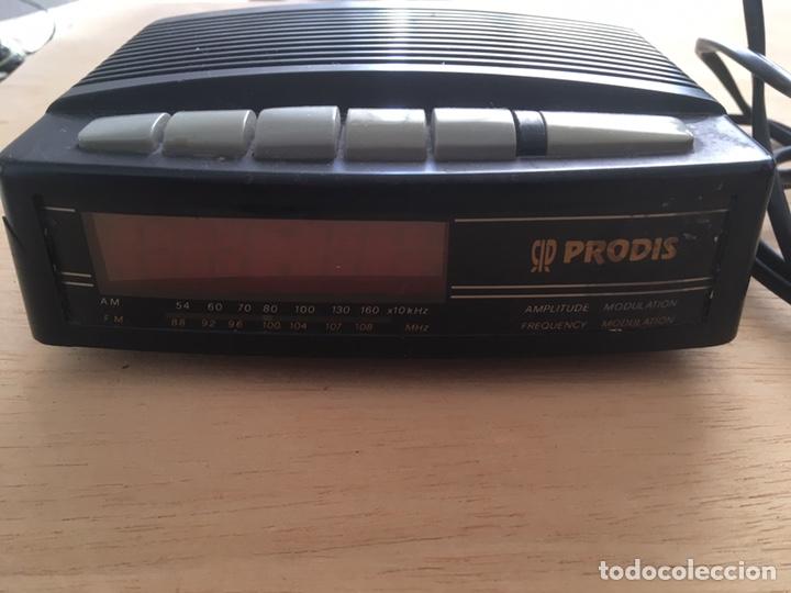 RADIO DESPERTADOR -ALARMA ,A PILAS Y A CORRIENTE ELÉCTRICA (Radios, Gramófonos, Grabadoras y Otros - Transistores, Pick-ups y Otros)
