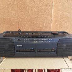 Radios antiguas: RADIO CASETTE RADIOCASETTE SANYO MODELO MW731K FUNCIONANDO. Lote 222179162