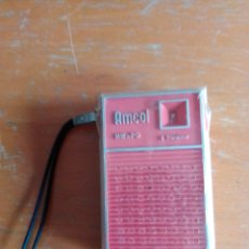 Radios antiguas: RADIO TRANSISTOR AMCOL SINGAPUR FUNCIONA. Lote 222300851