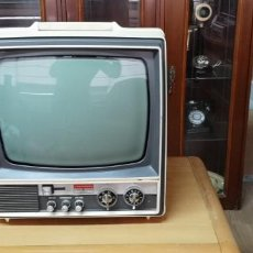Radios antiguas: TELEVISION PORTATIL THOMSON. Lote 222836595